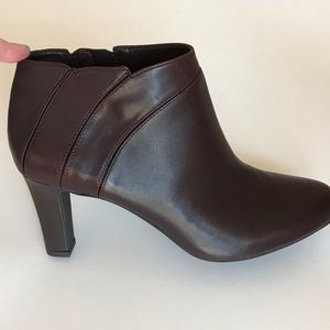 NEW Alex Marie Leather Ankle Boots